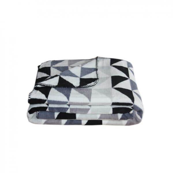 Wohndecke Triangle 150x200 Cm Mit Grafischen Muster Der Marke